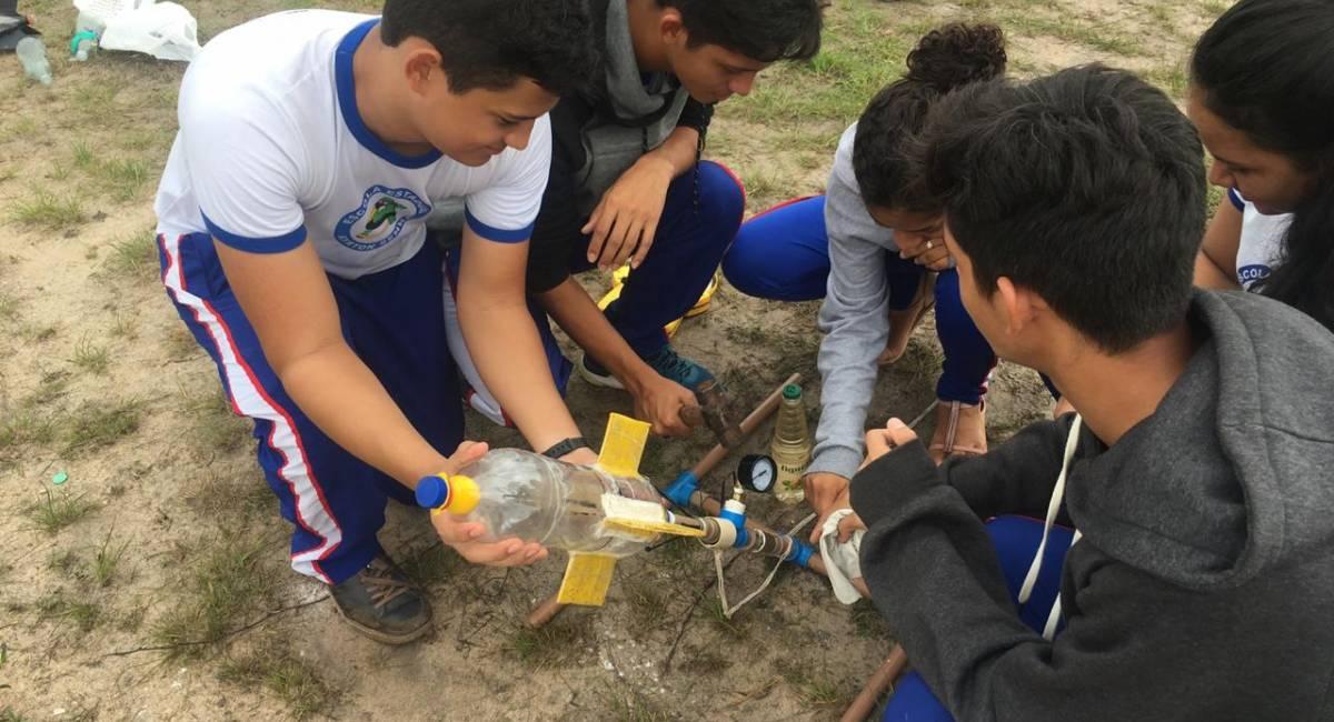 Escolas estaduais realizam lançamento de foguetes neste sábado, 13