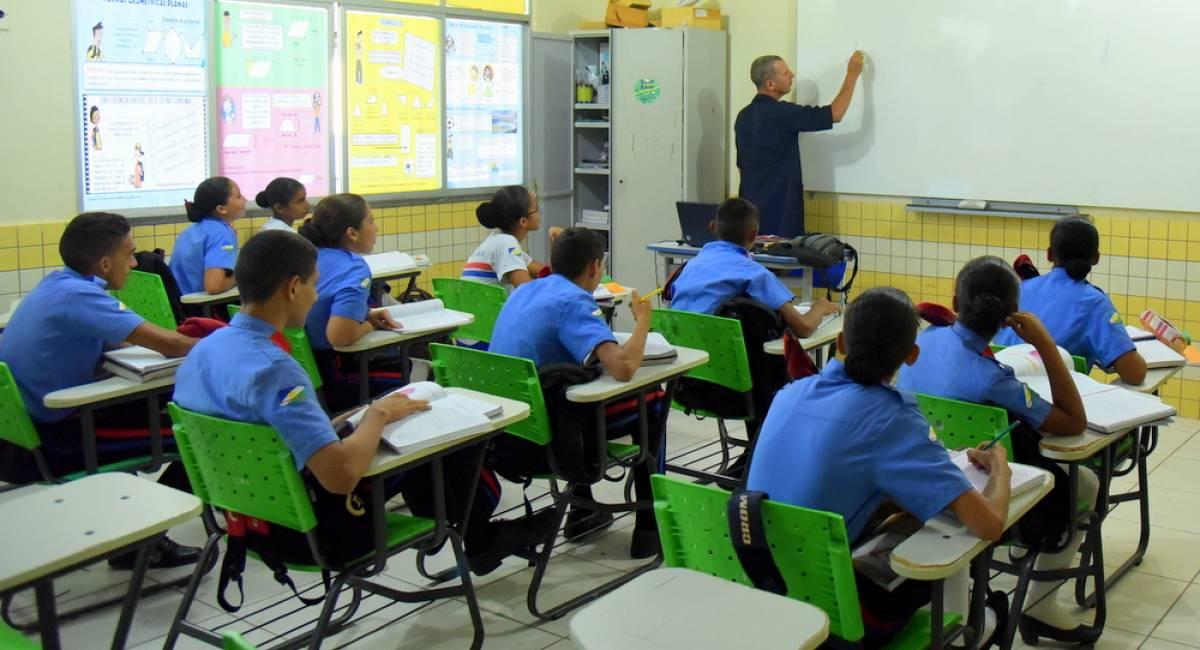 VOLTA ÀS AULAS | Com merenda e transporte escolar garantidos, mais de 34 mil estudantes do interior e comunidades indígenas retornam às salas de aula na segunda-feira, 27