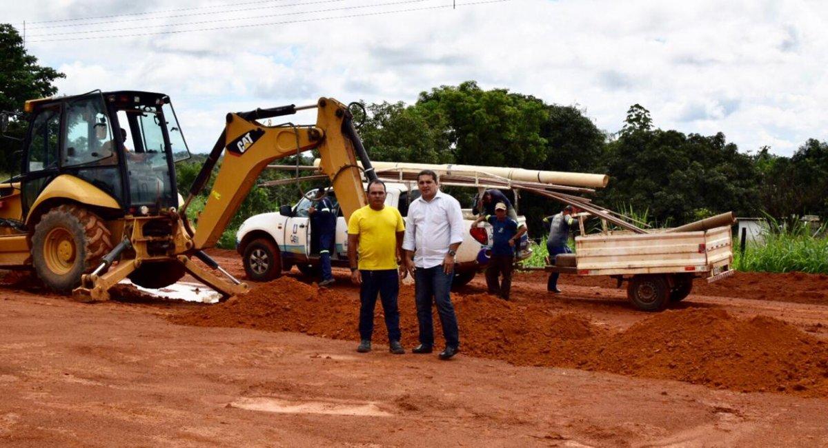 EXTENSÃO DE REDE   Presidente da Caer visita obras de extensão na  Vila Campos Novos